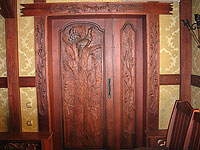 Двери с глухарем