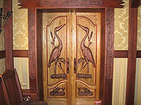 Двери с цаплей