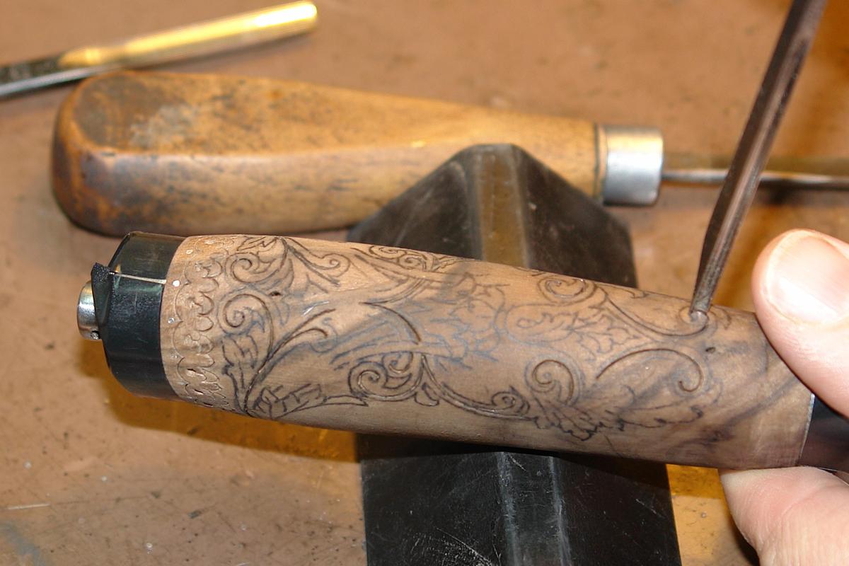 Как сделать деревянную резьбу