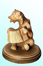 Скульптура медведя Гармонист